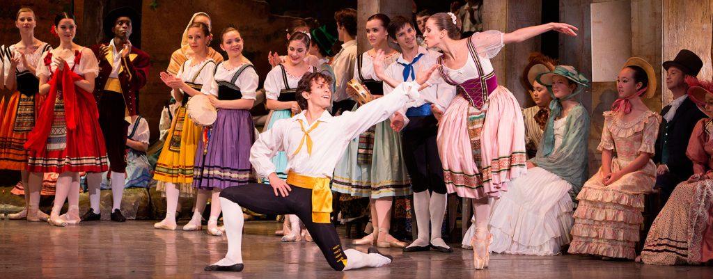 ballerini della compagnia Ballet Arizona interpretano Napoli