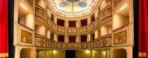 Teatro della Concordia di Vibio, la platea vista dal palcoscenico