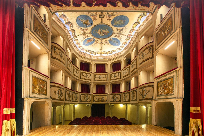 Palco e platea del Teatro della Concordia