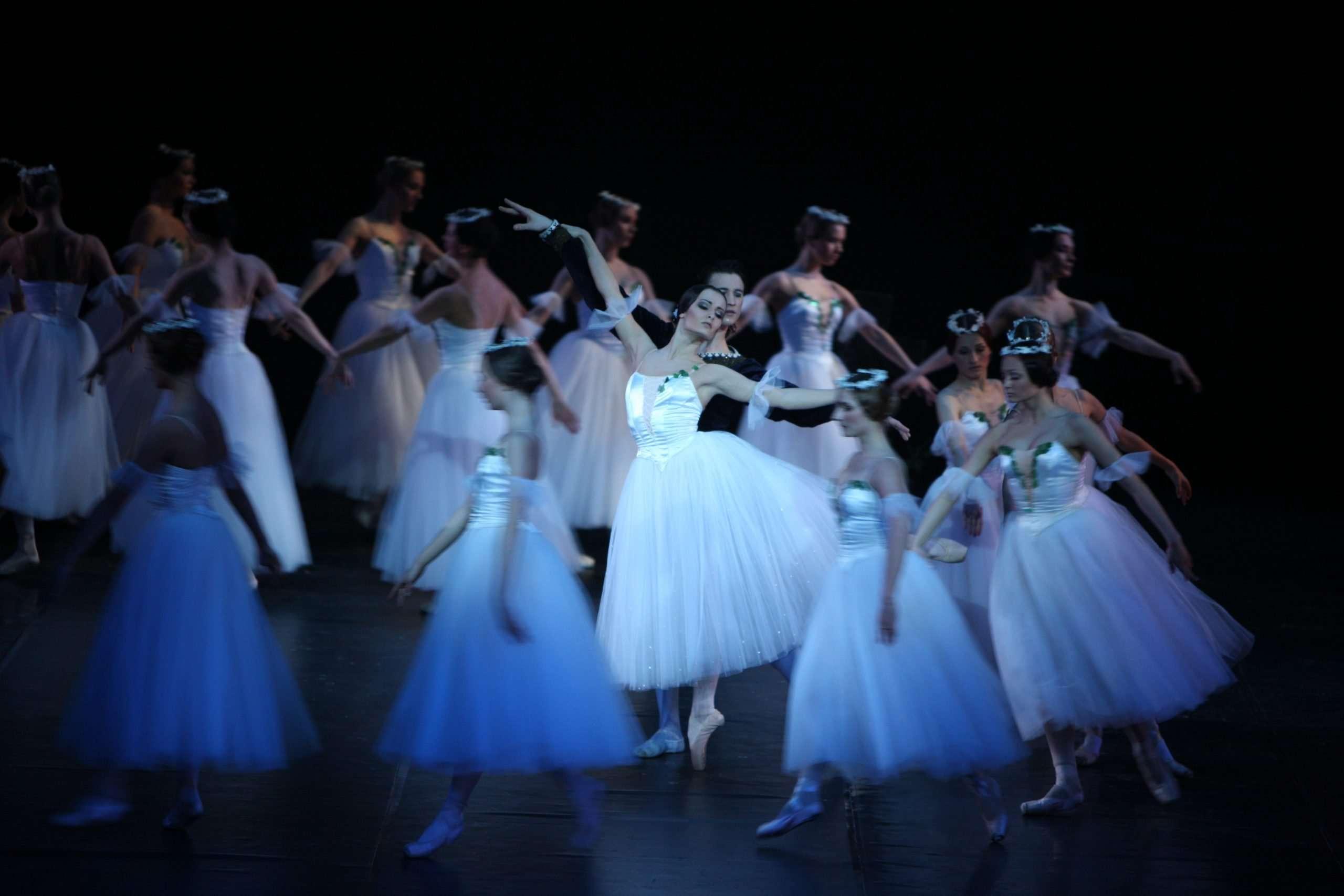 danzatori del Balletto Nazionale Lettone