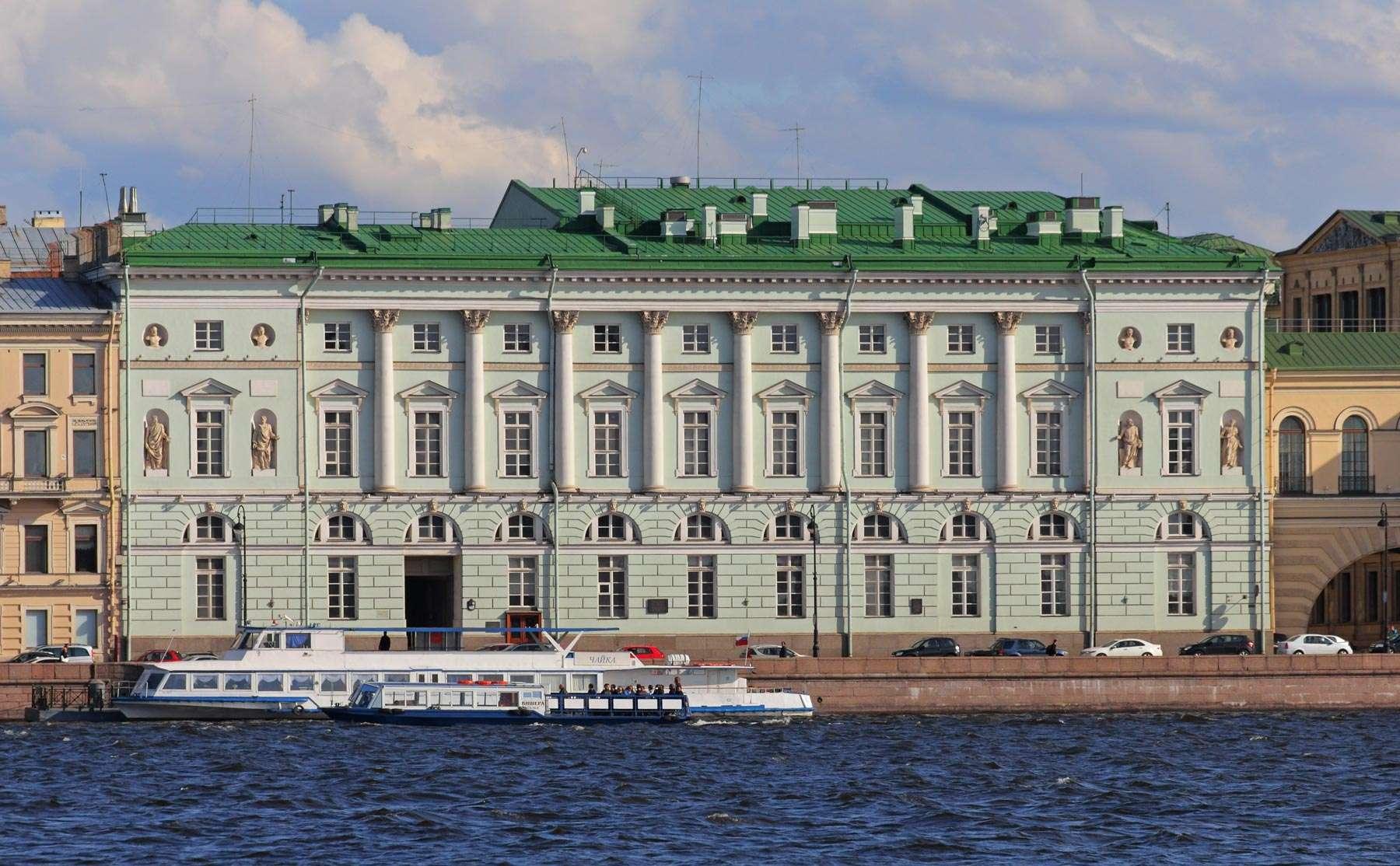 Teatro dell?Hermitage a San Pietroburgo, facciata esterna