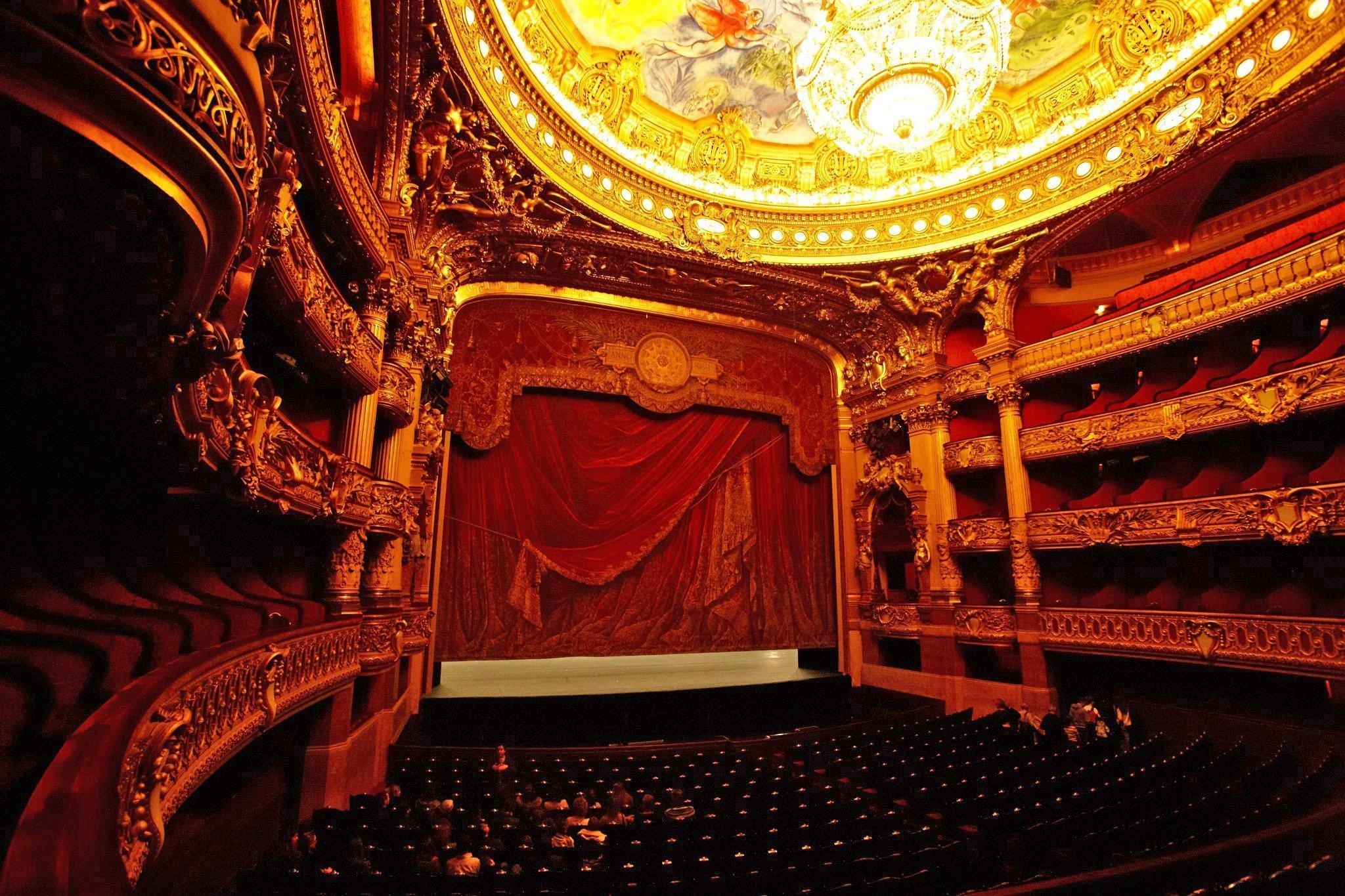 Auditorium del Palais Garnier © Naoya Ikeda